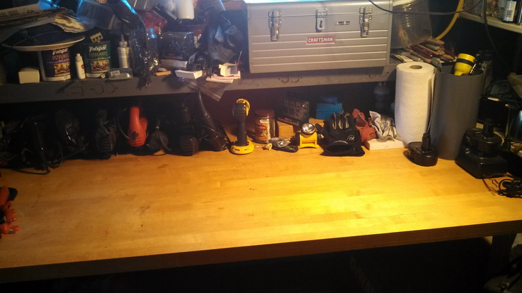A serenly organized workbench