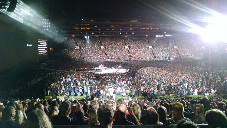 U2 at the Rose Bowl